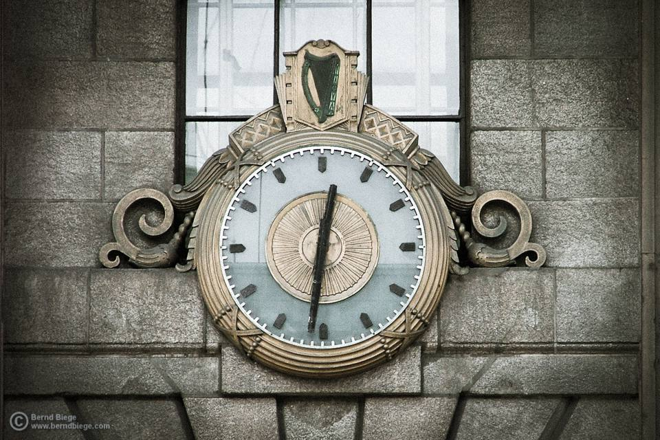 A case for the German clockwinder? Well, German arms certainly helped with the Rising at Easter 1916, the insurrection started at the Dublin GPO, where this clock is located