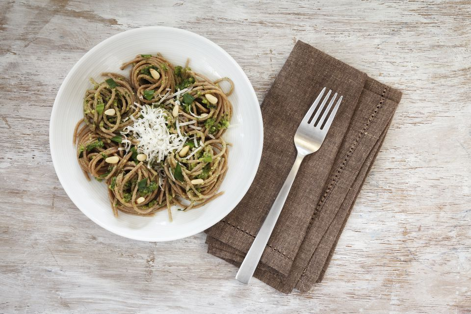 Whole wheat pasta and low calorie pesto