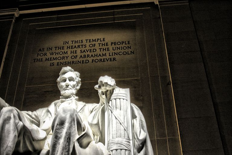 Lincoln memorial with quote behind