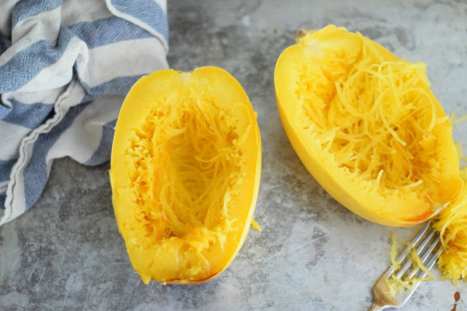 How to cook and prepare spaghetti squash