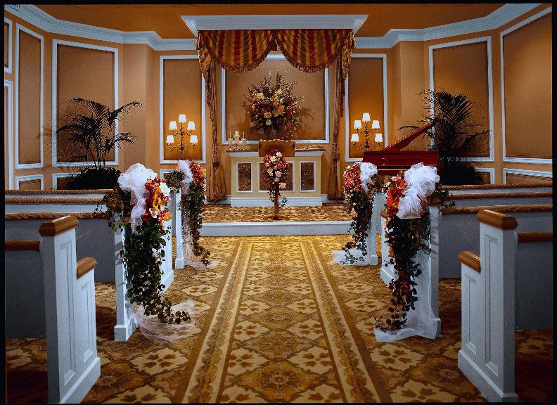 The Treasure Island Hotel Las Vegas Has An Elegant Chapel Thats Accented With Some Classic Features As Well A Few Modern Touches That Lend To