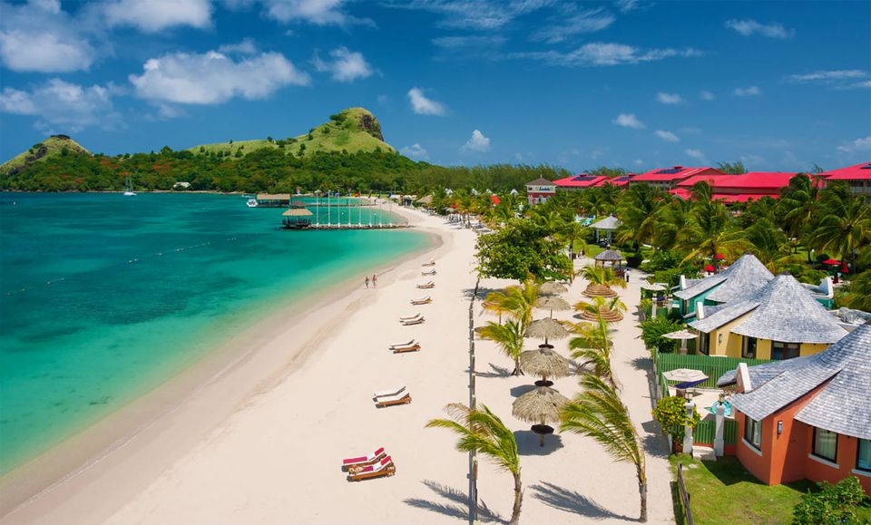 Sandals Grande St. Lucian beach