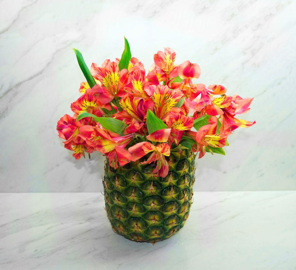 Diy pineapple vase floral arrangement izmirmasajfo Choice Image