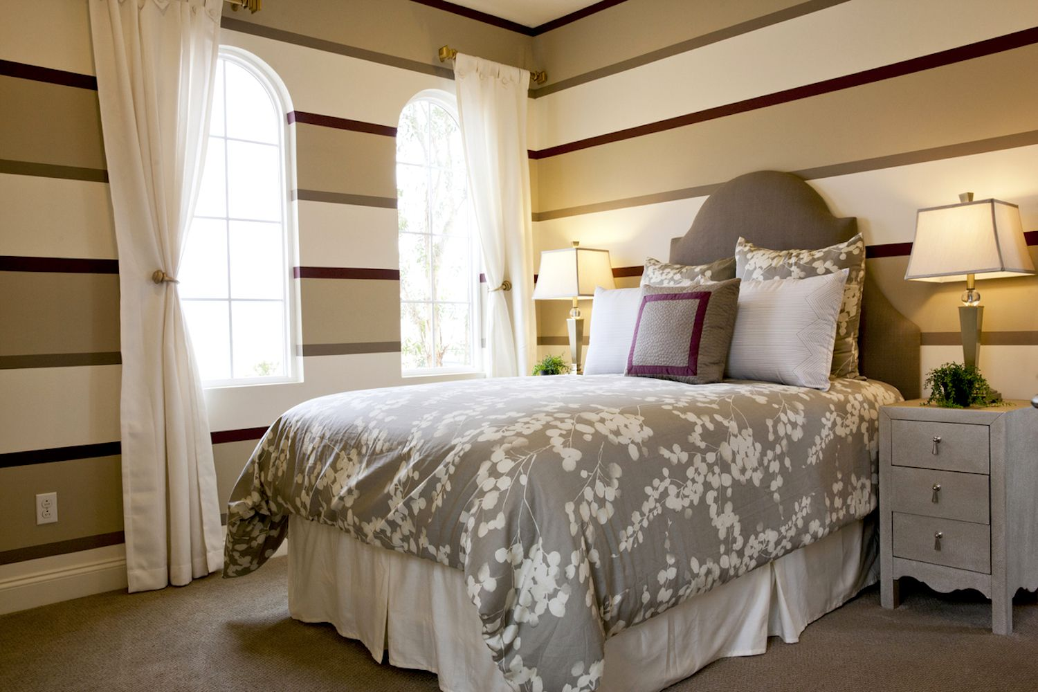 guest bedroom furniture.  How to Choose Bedroom Furniture for your Small Guest Room