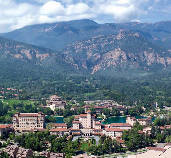 Colorado Springs Apartment Finder: The Broadmoor Hotel In Colorado Springs
