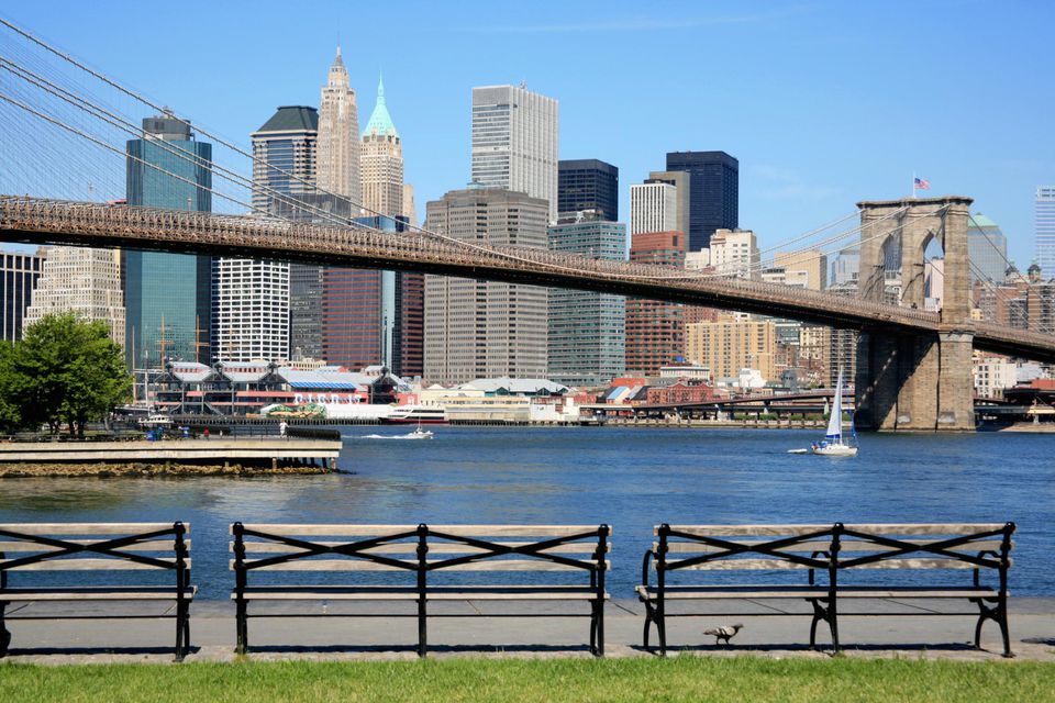 USA, New York City, Brooklyn Bridge and Manhattan skyline