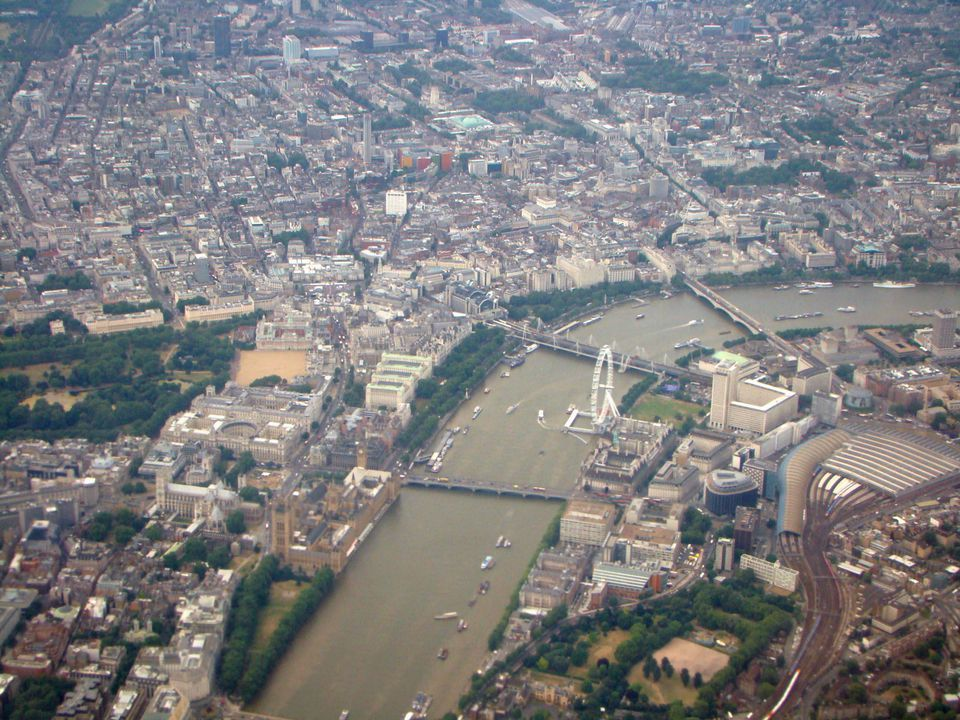 Central London, as seen from a jetliner making final approach to Heathrow airport.