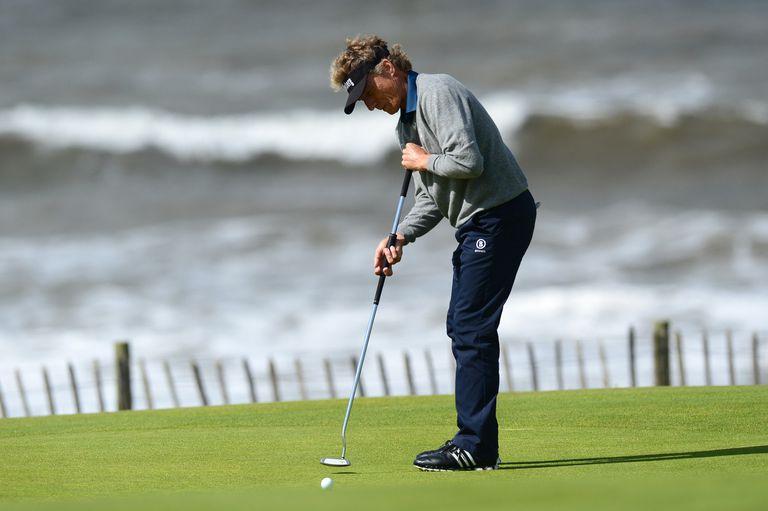 Bernhard Langer putting during the 2017 Senior British Open
