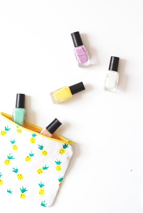 DIY Pineapple Makeup Pouch