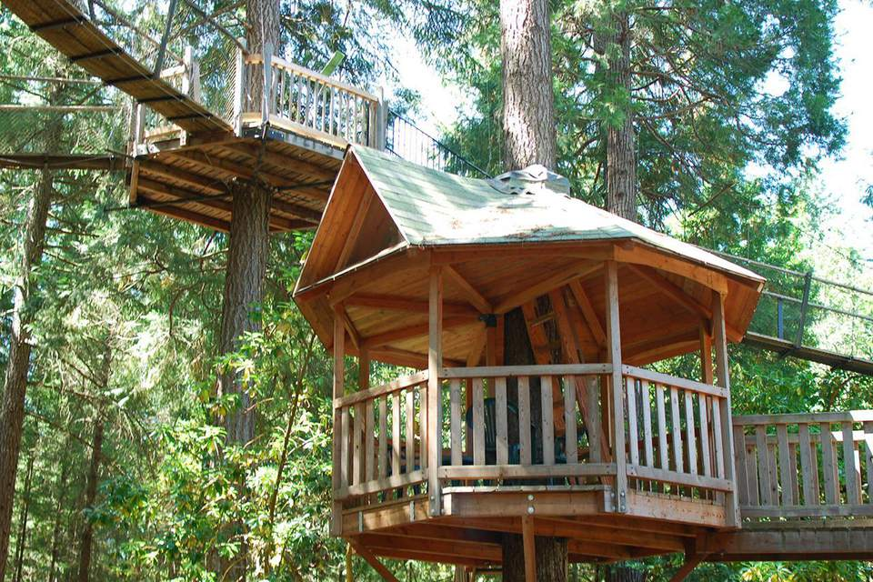 Out'n'About treehouses