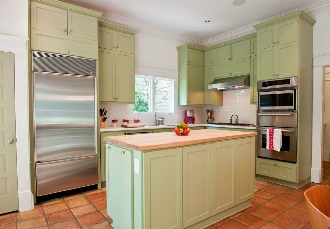 How to freshen up melamine and laminate with paint for 7 x 9 kitchen cabinets