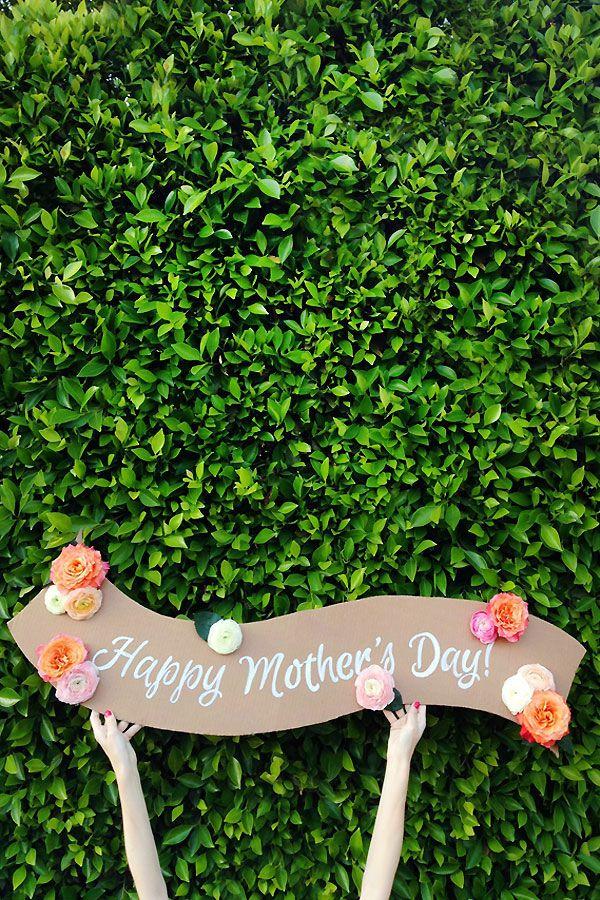 DIY Floral Mother's Day Banner