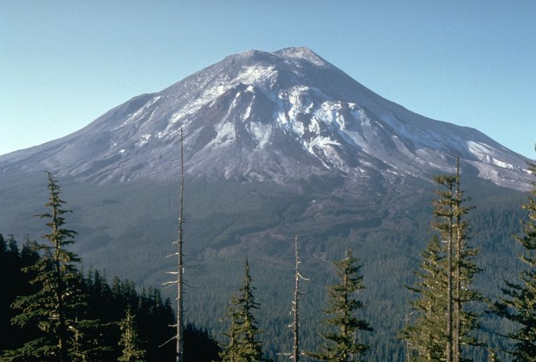 Mount St. Helens the day before the 1980 eruption, which removed much of the northern face of the mountain, leaving a large crater