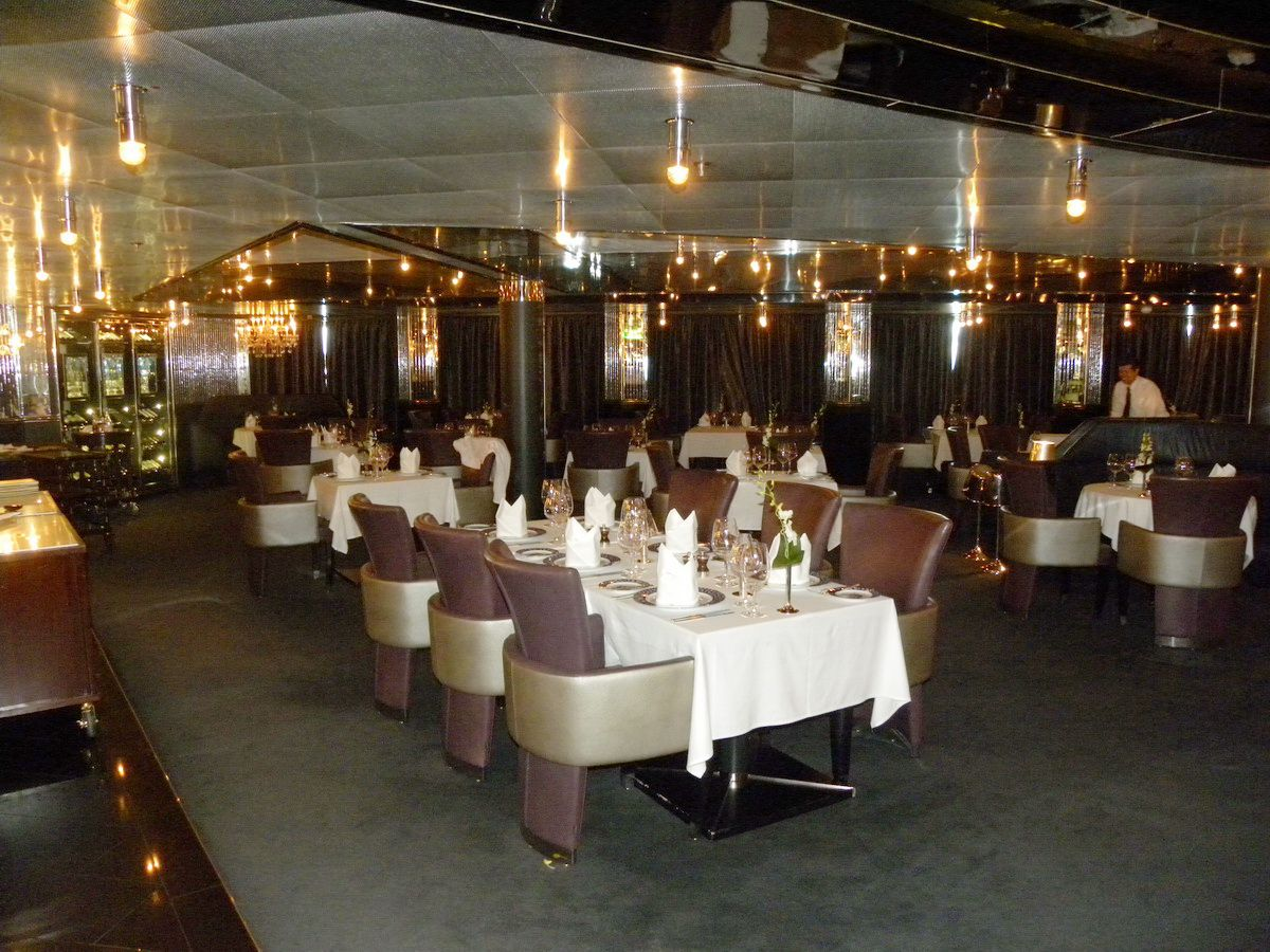 Nieuw Amsterdam Cruise Ship Dining Options - Pinnacle grill