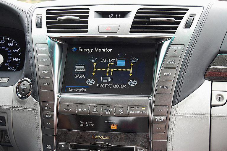 2008 Lexus LS 600h L hybrid car - 2008 Lexus LS 600h L electric mode