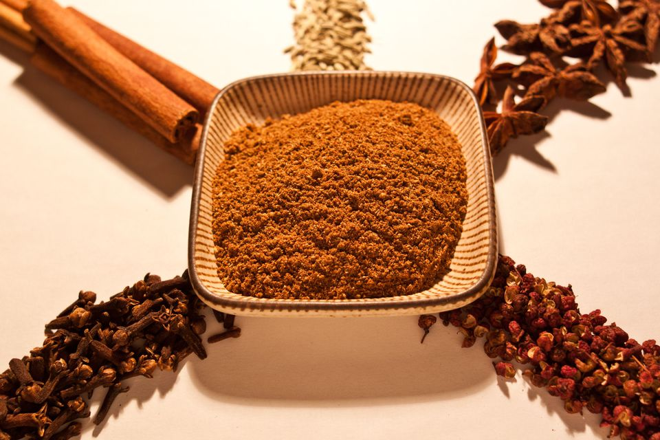 Five spice powder, along with it's whole components