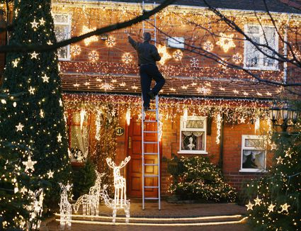 How to wrap trees with outdoor lights how to hang outdoor christmas lights workwithnaturefo