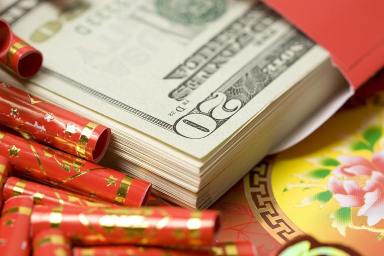 Learn gift giving etiquette in chinese culture lucky money negle Images