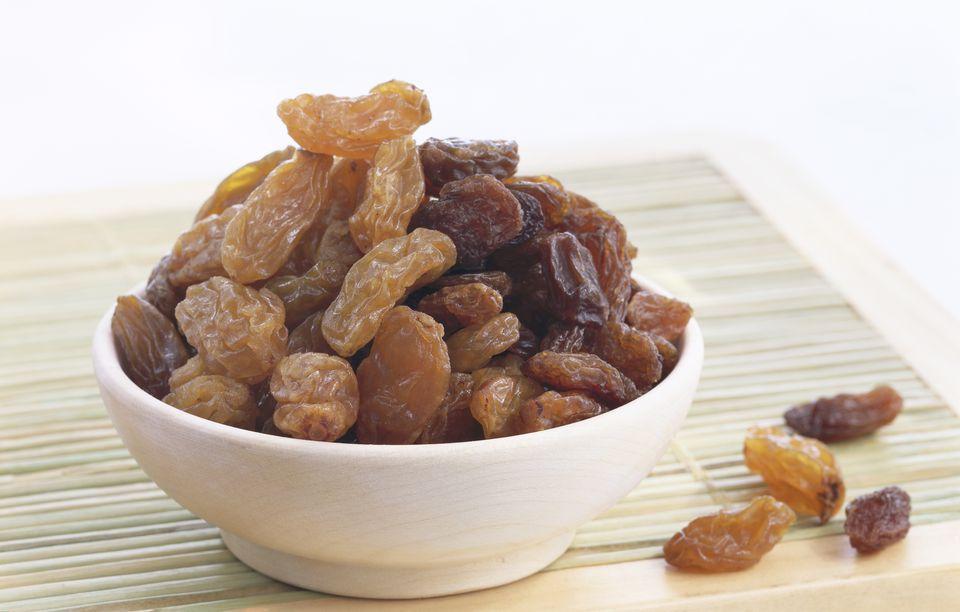 Bowl of raisins and sultanas, close-up