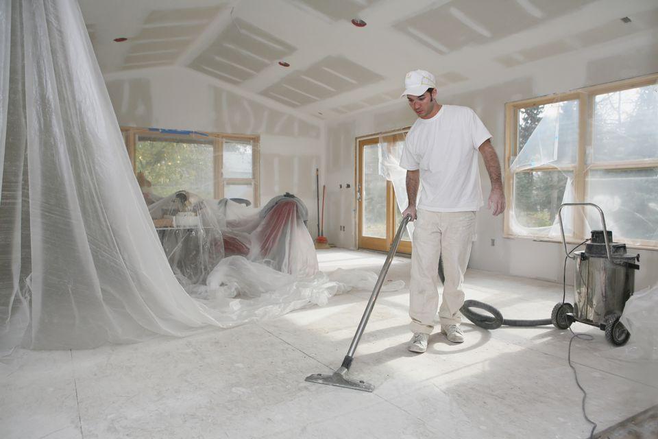 Wood dust vacuum