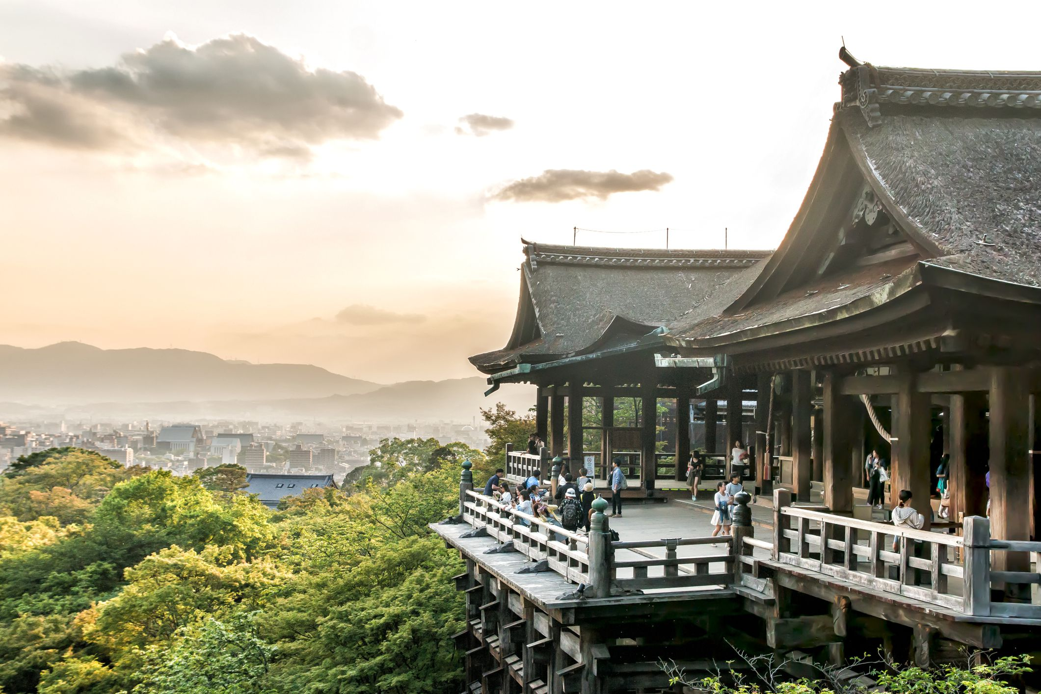 How to Visit a Shrine in Japan   Dos and Donts at