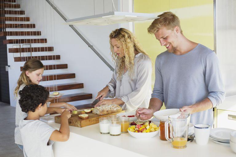 Getty_family_breakfast_kitchen_counter.jpg