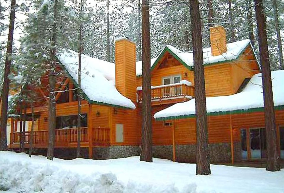 Top 10 presidents day destinations winter break 2017 for Cheap tahoe cabin rentals