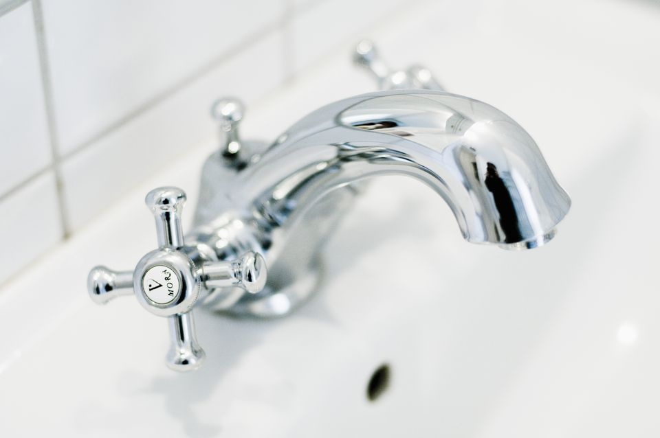 . How to Repair or Replace a Mobile Home Bathtub Faucet