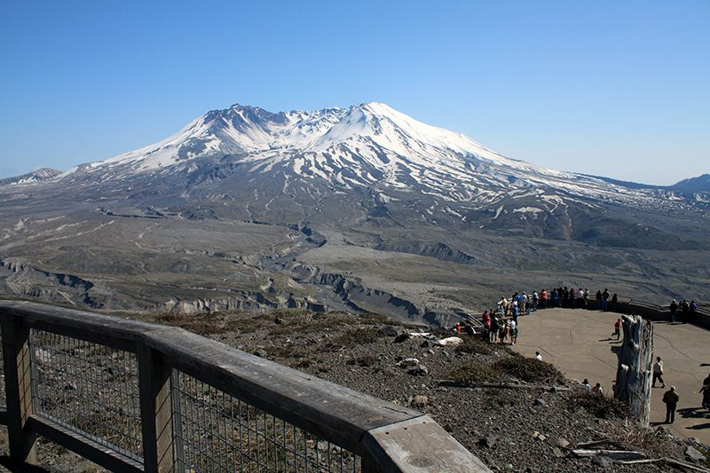 Johnston Ridge View of Mount St. Helens - April 2009