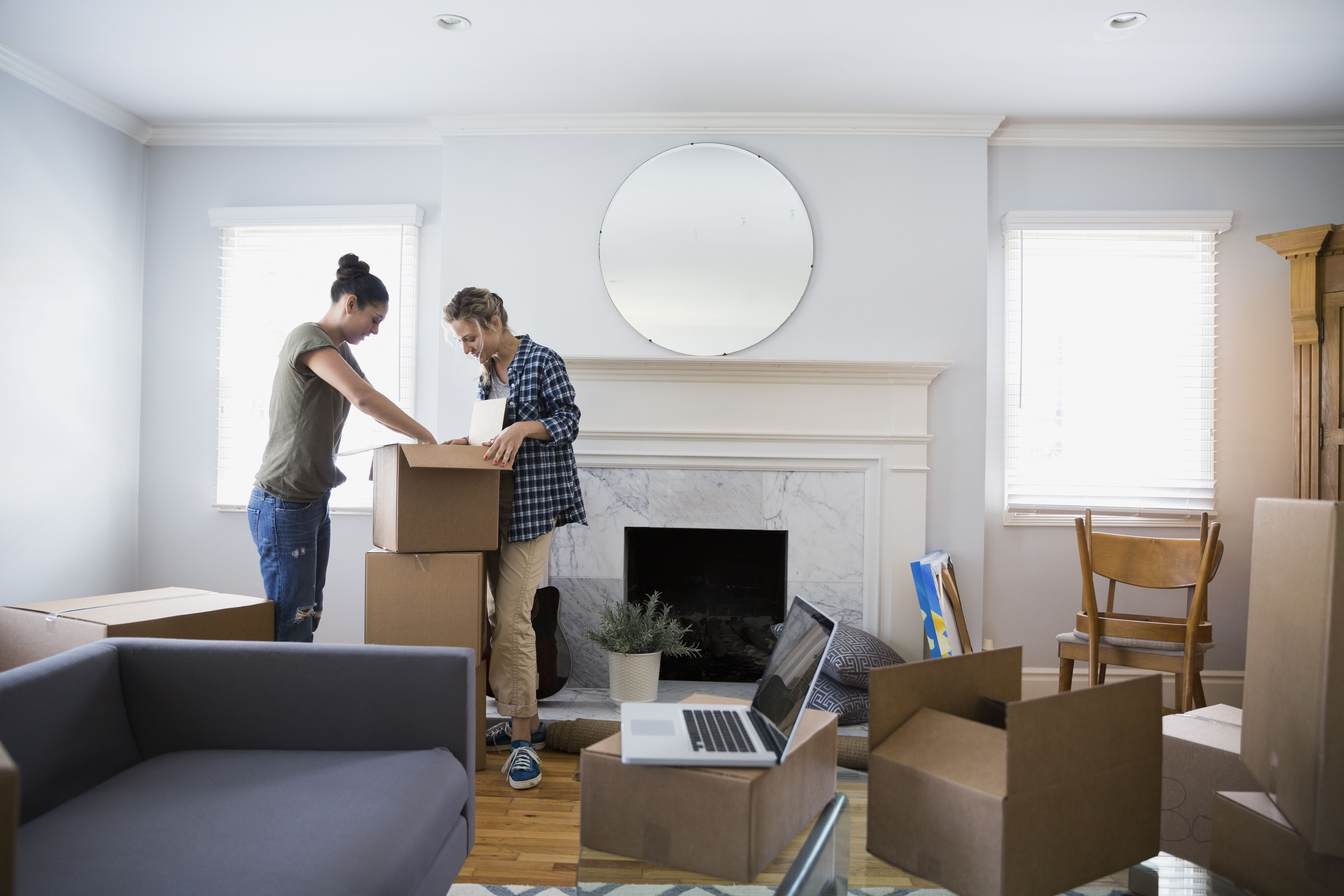 A Beginner s Guide to Packing Your Home for a Household Move. How to Start Packing all Your Stuff for Your Household Move