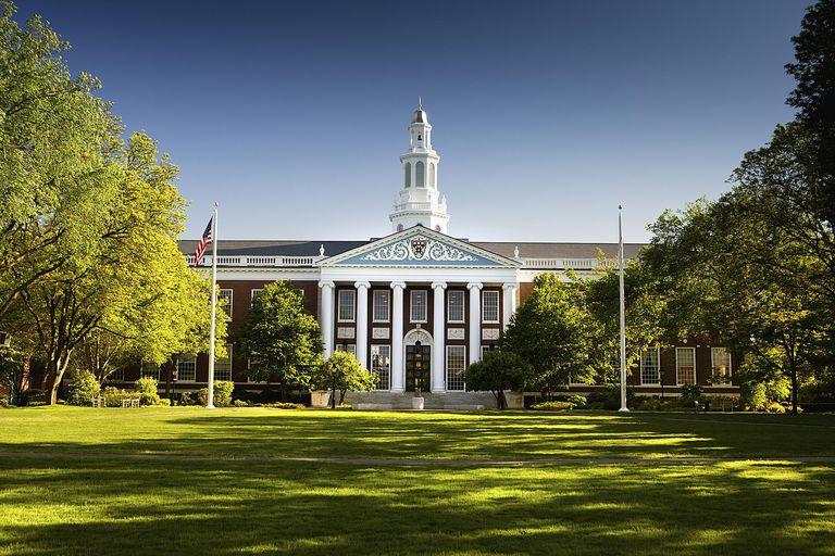 La universidad de Harvard es una de las Ivy League