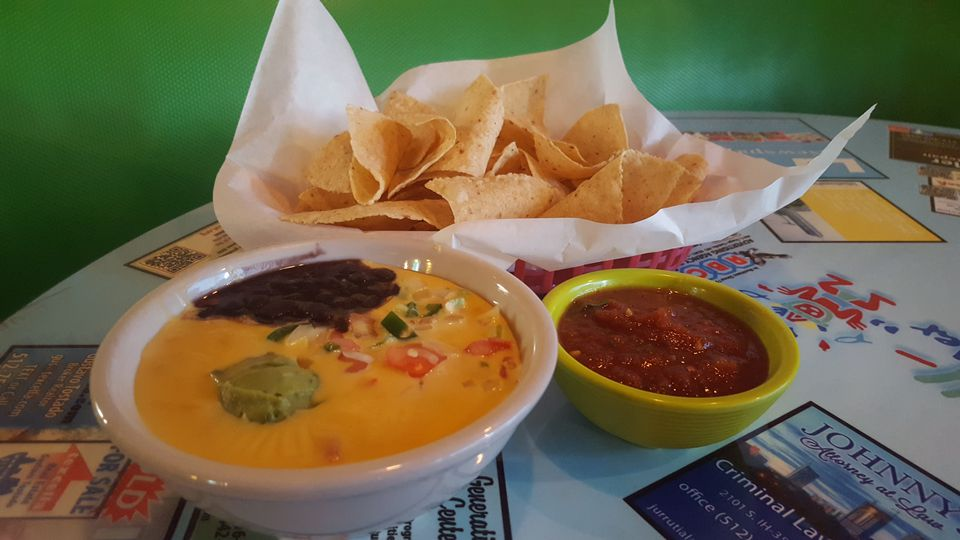 Kelly's queso Curra's