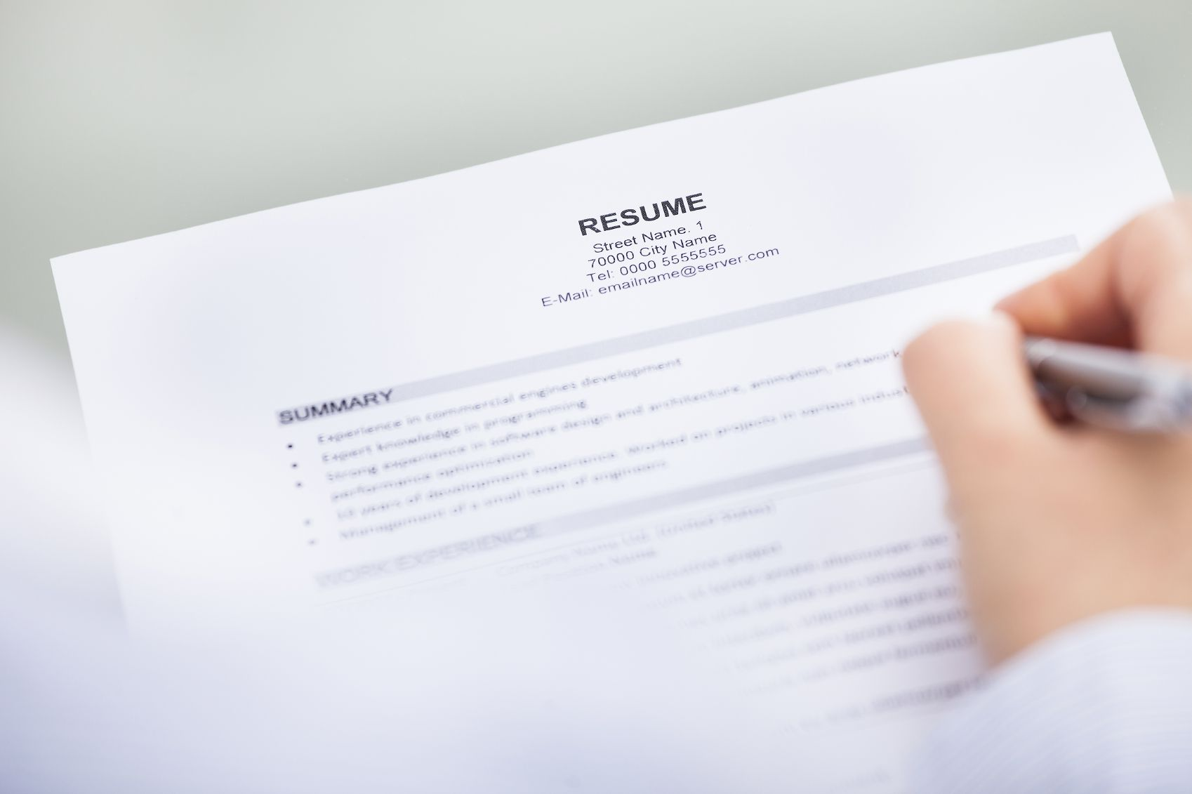how to include contact information on your resume
