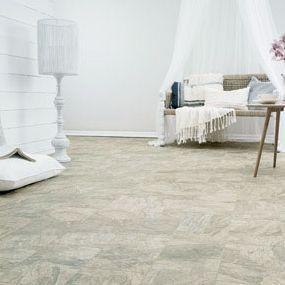 Cheap laminate flooring buyer 39 s guide for Glueless laminate flooring
