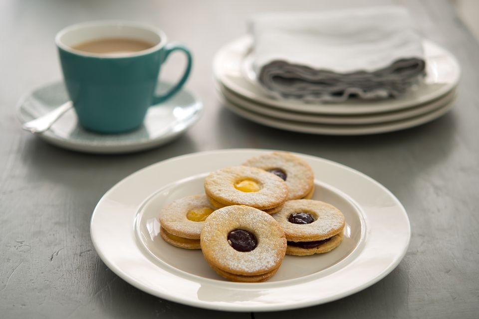 jammy-dodger-biscuits