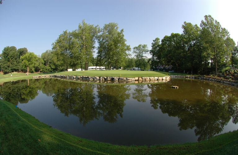 3rd hole at Bellrive Country Club in St. Louis