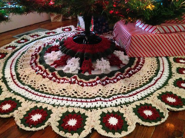Granny Square Christmas Tree Skirt