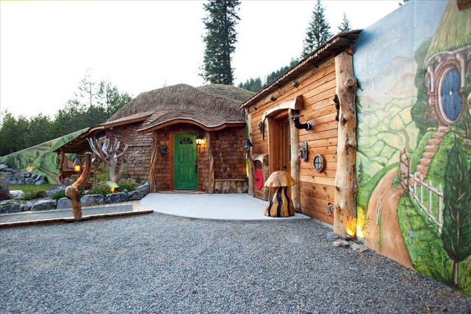 HomeAway_Hobbit_MT.jpg