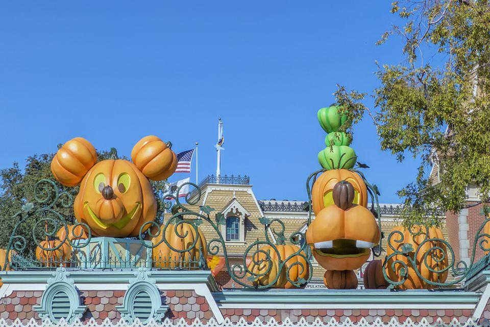 Upscale Halloween Decorations