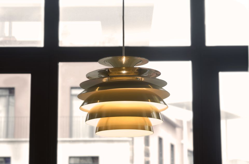 Ceiling light fixture basics