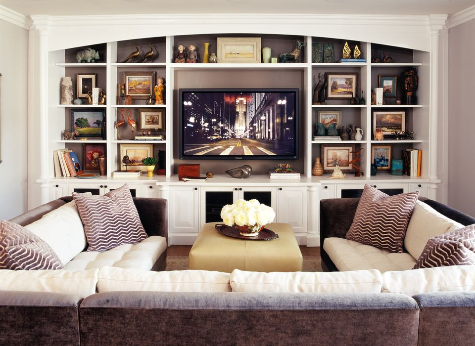 Jeff andrews designs a sparkling home in beverly hills for Living room channel 9