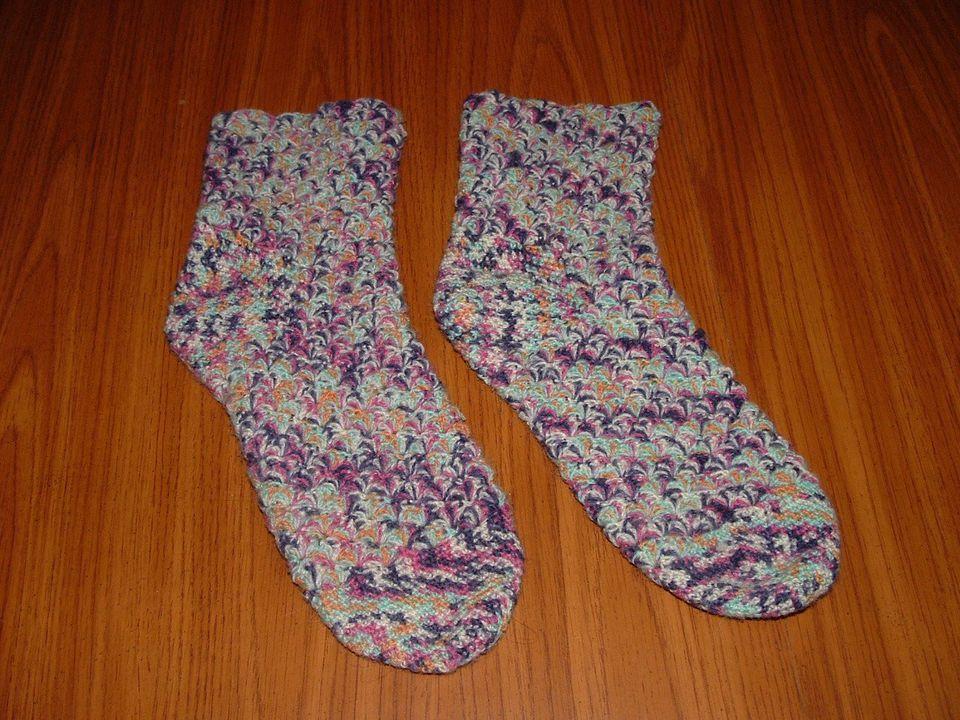 Crochet Shell Socks Free Pattern