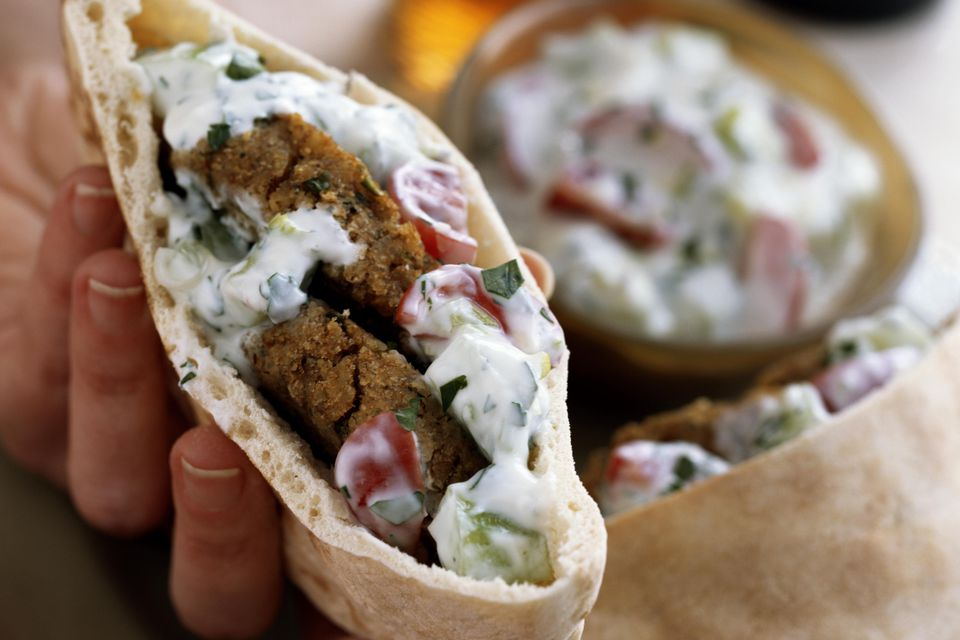 Falafel Pita Sandwich Recipe With Vegetables And Tahini