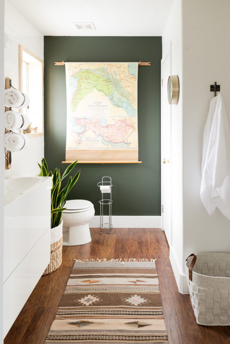 12 gorgeous green bathrooms vintage bathroom with green accent wall dailygadgetfo Gallery