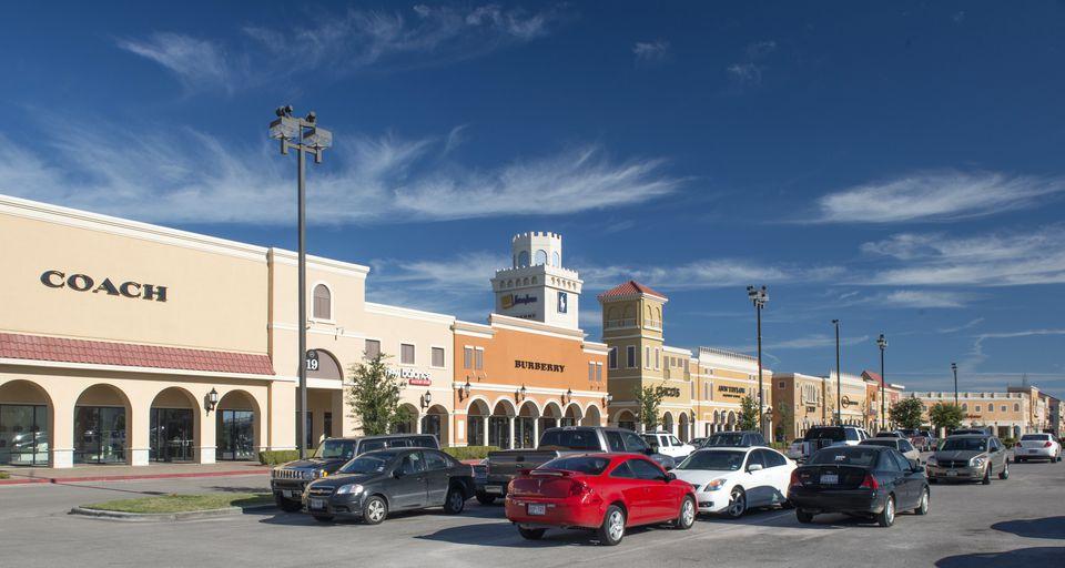 San Marcos Premium Outlets