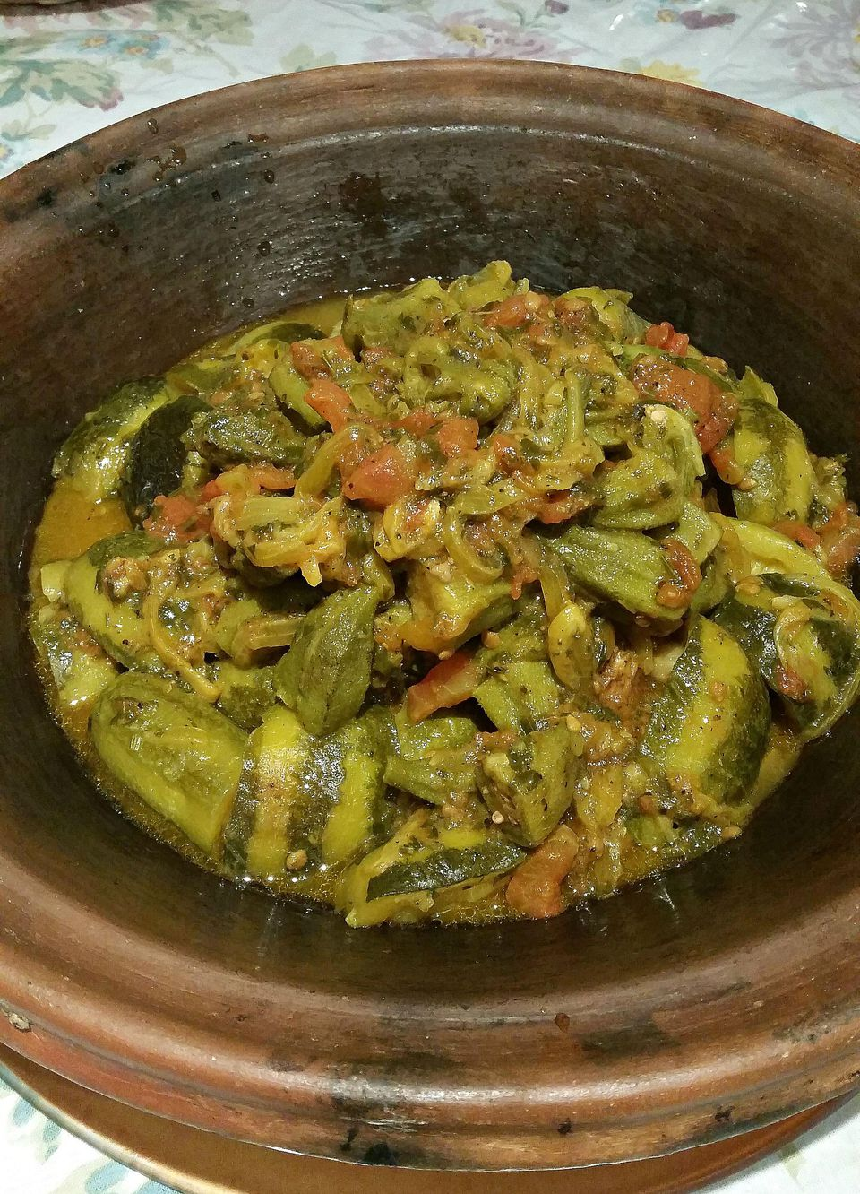 Moroccan okra tagine recipe with tomatoes and zucchini moroccan okra zucchini and tomato tagine recipe forumfinder Image collections