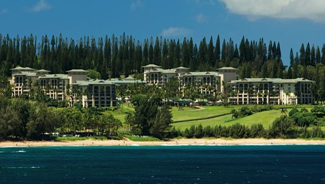 Ritz carlton kapalua maui luxury beach golf resort for Nicest hotels in maui