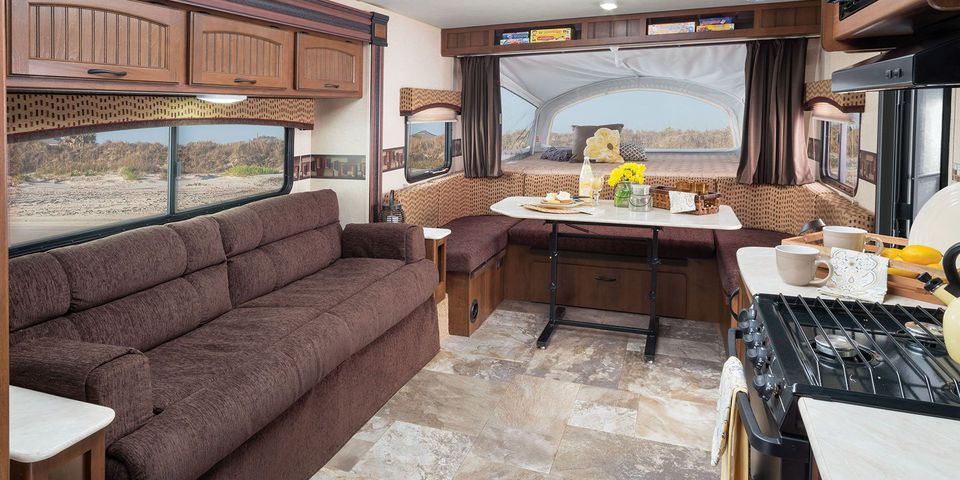 Expandable travel trailers