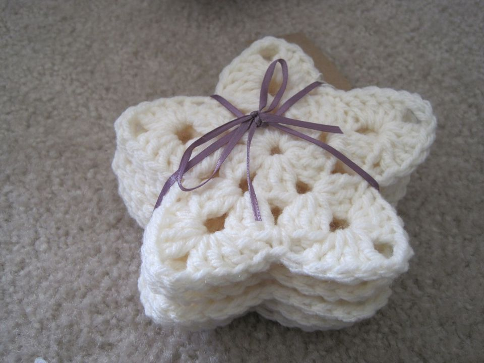 Granny Star Ornament FREE Crochet Pattern