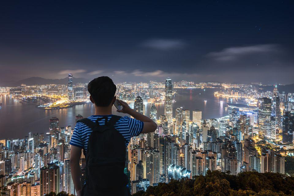 how to make international calls from hong kong
